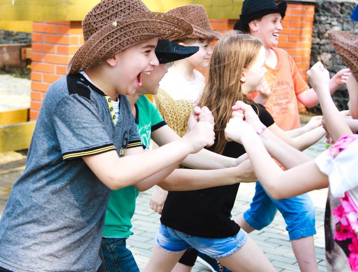 Веселые и подвижные конкурсы для подростков